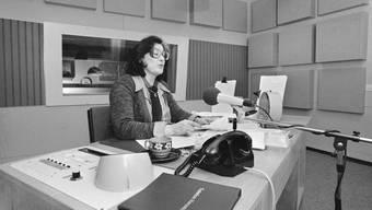 Rückblick in eine andere Zeit: Elisabeth Schnell im Studio des Landessender Beromünster.