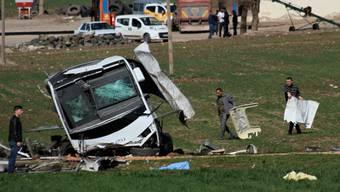 Neuer Anschlag auf das Militär: Im Südosten der Türkei explodierte gestern eine Bombe und tötete sechs Soldaten.