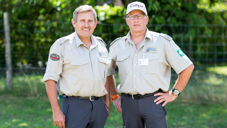 Chef-Ranger Bruno Fürst (links) und sein Kollege Peter Wyss müssen ständig Leute mahnen, das Naturschutzgebiet nicht zu betreten. «Viele Besucher wissen kaum etwas über Natur- und Tierschutz», sagt Wyss. «Das ist erschreckend.»