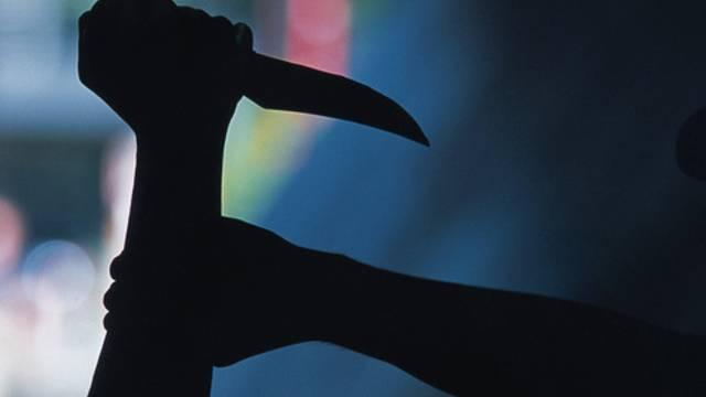 Als die beiden Männer in Streit gerieten, zog der eine eine Stichwaffe (Symbolbild)