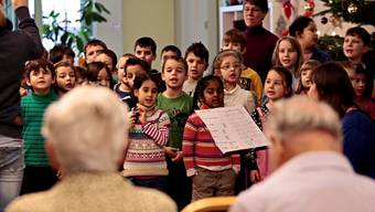 Projekt «Adventskalender»: Schuklassen besuchen das Altersheim Derendingen-Luterbach