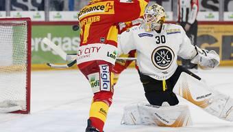 Jakob Micflikier trifft in dieser Szene zum 2:0 für den EHC Biel-Bienne gegen Lugano