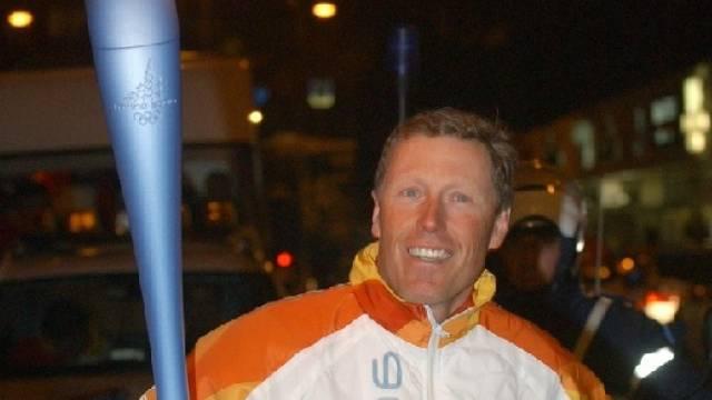 Pirmin Zurbriggen nimmt am 10. Dezember am olympischen Fackellauf teil