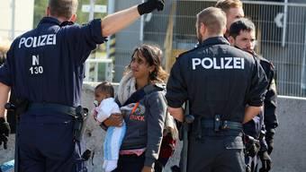 Flüchtlinge reisen von Dänemark weiter nach Schweden