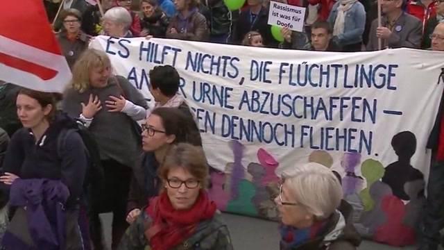 «Aufstand der Anständigen»: Grossdemonstration gegen Fremdenfeindlichkeit in Aarau