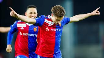 Zwei gute Nachrichten: Valentin Stocker ist mit einem Jahr Anlauf endlich wieder ein Faktor für den FCB, und Noah Okafor (links) verlängert seinen Vertrag.
