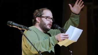 Remo Rickenbacher aus Thun: der Sieger der zweiten Ausgabe der Poetry-Slam-Trilogie.