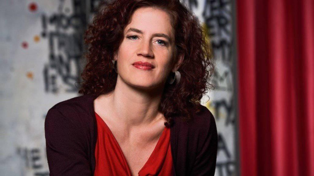 Die Zürcher Kritikerin Christine Lötscher ist eine von zwei Schweizerinnen, die in der siebenköpfigen Jury des Deutschen Buchpreises 2018 einsitzen. (Bild SRF)