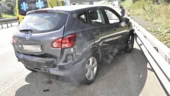 Der Unfallverursacher kollidierte mit dem Heck des Personenwagens. (Symbolbild)