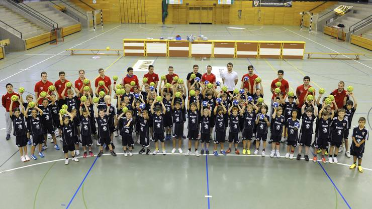 65 begeisterte Kids am Pfister HandballCamp 2013