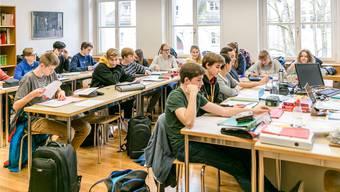 Mit den zwei geplanten Mittelschulen werden die bestehenden entlastet, auch die Alte Kantonsschule Aarau.