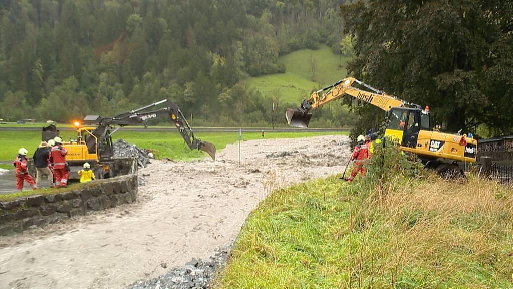 Hochwasser in Diesbach (GL): Bewohner evakuiert