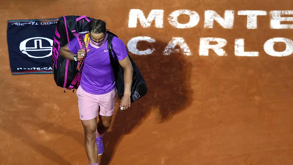 Der elffache Turniersieger Rafael Nadal verlässt den Court in Monte-Carlo als Geschlagener
