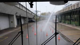 Beim Verkehrsstützpunkt Urdorf hat die Kantonspolizei Zürich unter anderem ihre Wasserwerfer stationiert.