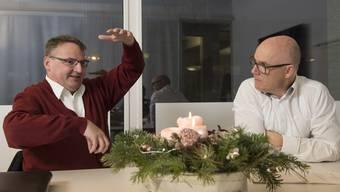 Weihnachten zwischen Einkaufsstress und Besinnlichkeit: Der katholische Pfarrer Kurt Vogt (links) und der Leiter des Shoppi Tivoli Patrick Stäuble loten im Gespräch die Bedeutung des Fests in der heutigen Zeit aus.