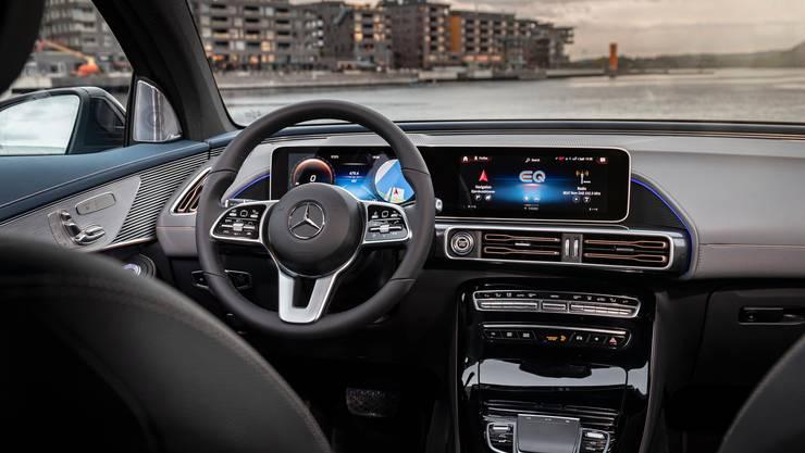 Edles Cockpit: Das Interieur orientiert sich an den jüngsten Innovationen im Bereich der Elektronik. Bild: Aeberli/zvg