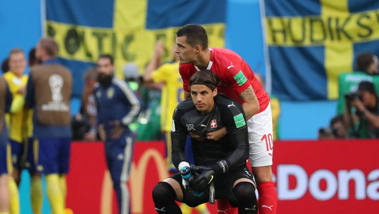 Die Schweizer (sinnbildlich Yann Sommer) am Boden nach der dem Achtelfinal-Out gegen Schweden.