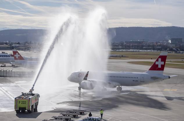 Die Taufe des neuen Fliegers am Flughafen Zürich.
