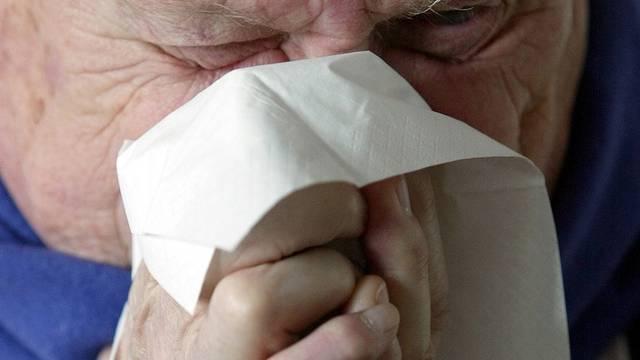 Norden der Schweiz von der saisonalen Grippe bislang verschont (Symbolbild)
