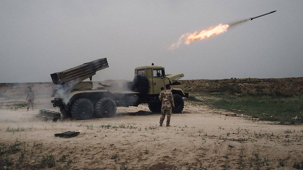 Die irakische Armee und Verbündete haben ihren Marsch auf Mossul begonnen. In den USA will das Pentagon bald Vorschläge machen, wie die Offensive zur Rückeroberung der IS-Hochburg unterstützt werden kann.