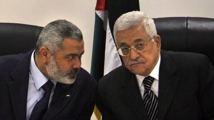 Vergangene Zeiten: 2007 zogen Hamas (Ismail Hanijeh, links) und PLO (Mahmoud Abbas) am selben Strick.