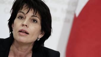 Bundesrätin Doris Leuthard verlangt mehr Hochhäuser in Schweizer Städten und verägert damit Denkmalschützer. (Archiv)