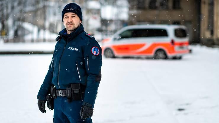 Die Stadtpolizei Winterthur soll die gleiche Uniform erhalten, die bereits in mehreren Deutschschweizer Kantonen und Städten sowie bei der SBB-Transportpolizei im Einsatz ist.