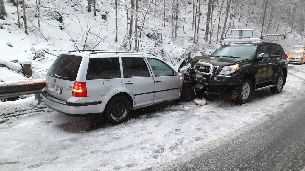 Zwei Fahrzeuge krachten ineinander.