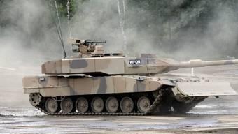 """Eines der bekanntesten Produkte des deutschen Rüstungskonzerns Krauss-Maffei Wegmann ist der Panzer """"Leopard"""". (Archiv)"""