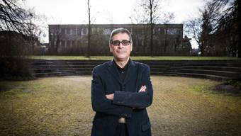Der Rektor der Kantonsschule Limmattal, Werner De Luca, verteidigt seine Schule. (Archiv)