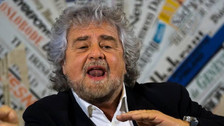 Movimento-5-Stelle-Kopf Beppe Grillo.