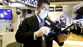 Die Turbulenzen an den Finanzmärkten wegen der Coronakrise haben auch den Schweizer Pensionskassen im ersten Quartal heftige Kursverluste beschert. (Archivbild)