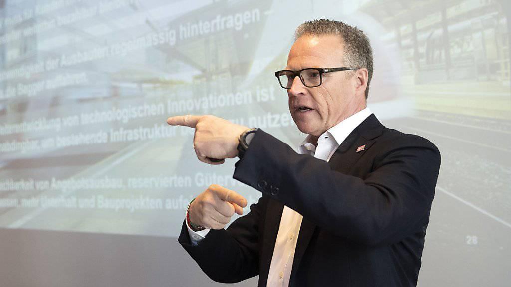 """Experten hatten SBB-Chef Andreas Meyer bereits 2013 ein Ausstiegsszenario empfohlen. Doch er hält er einen Ausstieg beim Bombardier-Pannenzug für ein Fiasko, """"für Bombardier, aber auch für die SBB"""". (Archivbild)"""