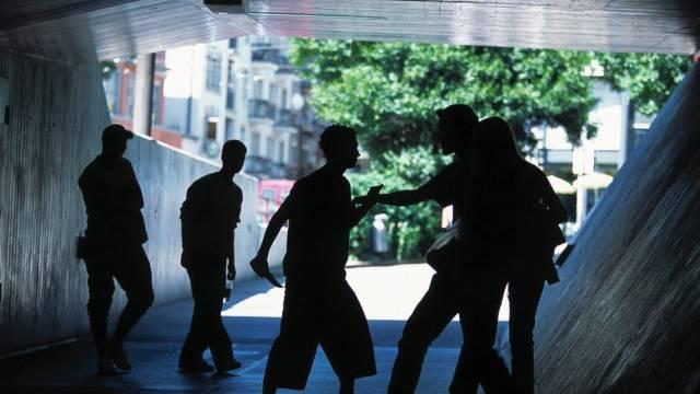 Jugendliche verübten 2014 im Kanton Zürich weniger Gewalttaten als im Vorjahr. (Symbolbild)