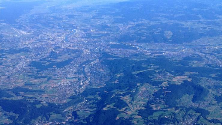 Der Bezirk Arlesheim könnte sich Basel anschliessen wollen.