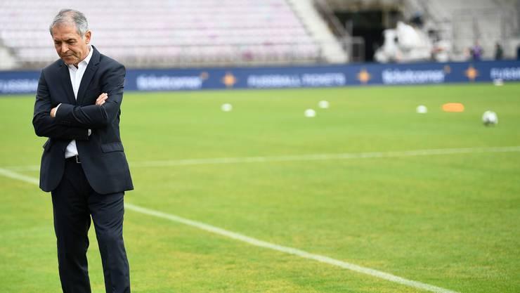 Ganz bei sich: Marcel Koller, Trainer des FC Basel. Vielleicht stellt er sich gerade die Frage, ob es für ihn bei Rotblau weitergeht.