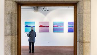 Bergwelten, eingefangen von 50 Künstlerinnen und Künstler, sind im Schlösschen zu sehen.
