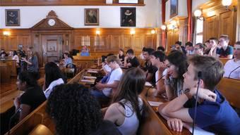 Entspannte Stimmung: Das Thema Videoüberwachung sieht das Schülerparlament anders als der echte Gemeinderat.
