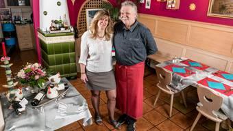 Michaela und Albert Kappeler wirten seit zehn Jahren im Restaurant Freihof in Oetwil. Davor leitete das Ehepaar ein Hotel im Baselbiet.