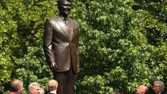 Die Statue erinnert an Reagans Politik der Stärke