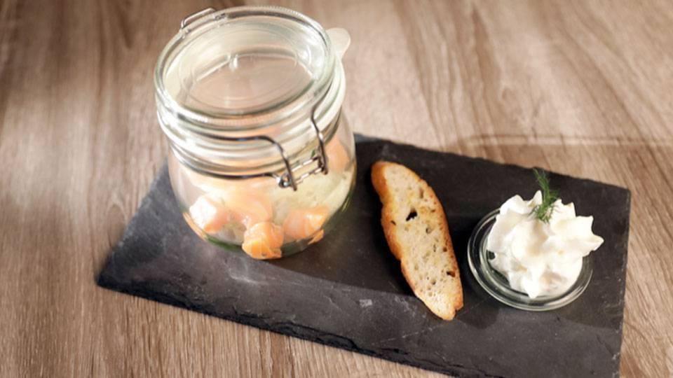 Lachs auf Fenchel-Salat-Beet