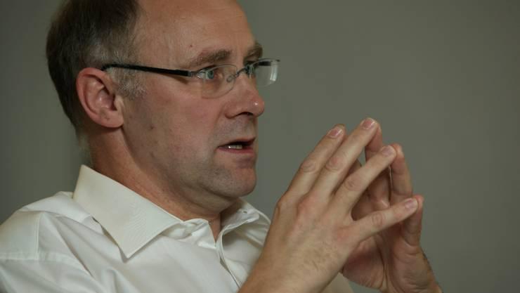 Hansjörg Knecht: Der neue Präsident des Hauseigentümerverbandes will eine tiefere Grundbuchabgabe. (cis)