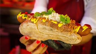 So sieht ein dänischer Hotdog aus. chi