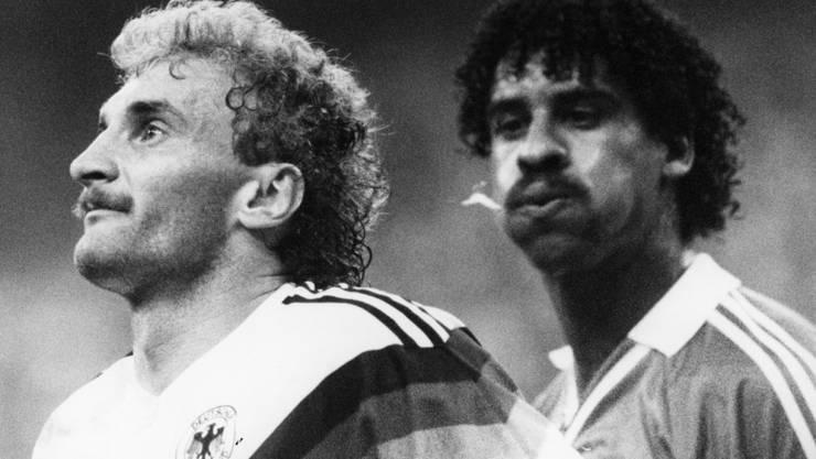 Unvergessen: Der Niederländer Frank Rijkaard bespuckt Rudi Völler