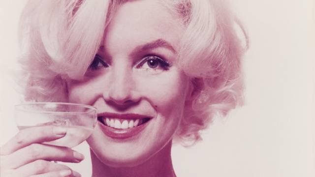 Marilyn Monroe 1962 kurz vor ihrem Tod. Sie starb am 1. August in Los Angeles an einer Überdosis Barbiturate im Alter von 36 Jahren.