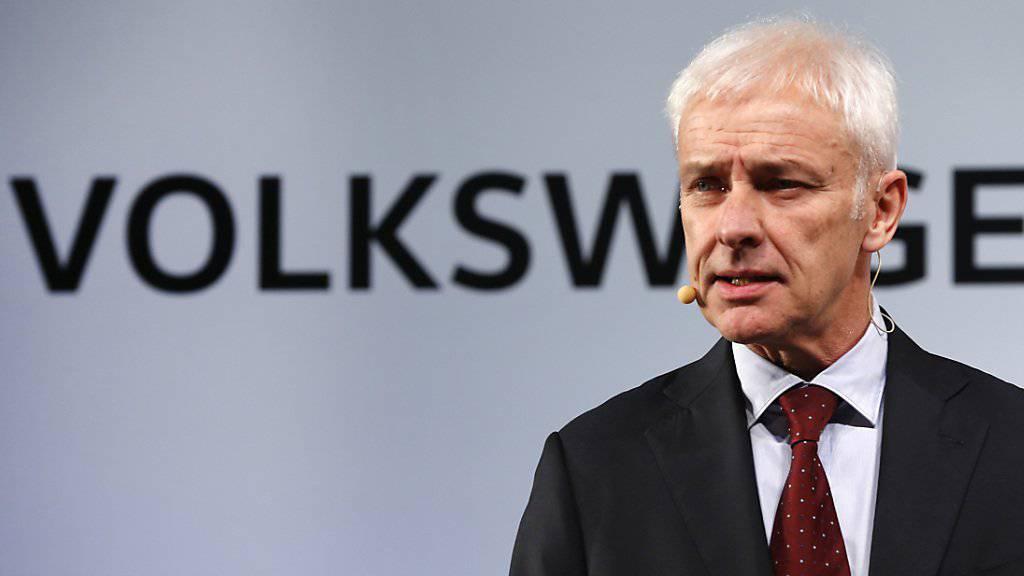 Die USA lassen VW-Chef Matthias Müller mit seinem Reparatur-Plan für die 2,0-Liter-Diesel-Motoren noch nicht vom Haken und fordern Nachbesserungen.