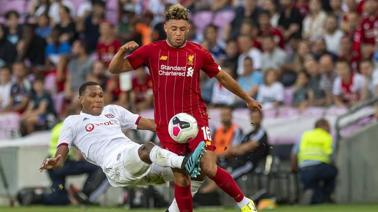 Shaqiris Team-Kollege Oxlade-Chamberlain verlängert langfristig seinen Vertrag in Liverpool.