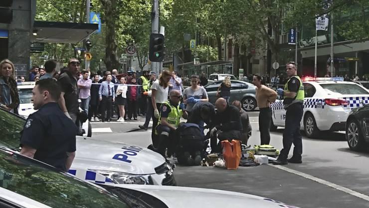 In Melbourne erfasste ein Autofahrer mitten im Stadtzentrum mehrere Menschen. Die Hintegründe des Vorfalls sind laut Polizei noch unklar.