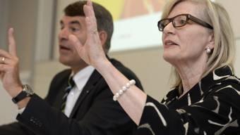 Regine Aeppli und Christian Amsler informieren über den Lehrplan 21