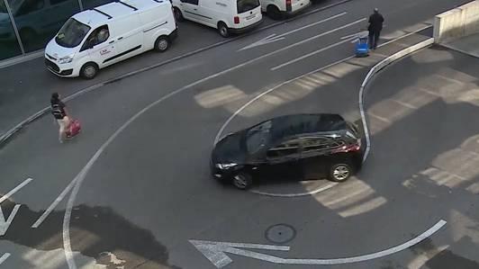 Knifflige Parkhaus-Ausfahrt: Jetzt rechtfertigen sich die Behörden